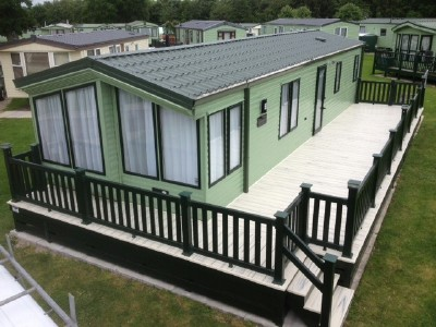 Sun Deck in Green with Cornish Cream Decking